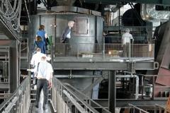 Besuchergruppe vom Verband Region Stuttgart und der Wirtschaftsförderung sowie Journalisten aus der Region Stuttgart werden durch das stillgelegte Hüttenwerk im Landschaftspark Duisburg-Nord geführt. Foto: Uwe Roth