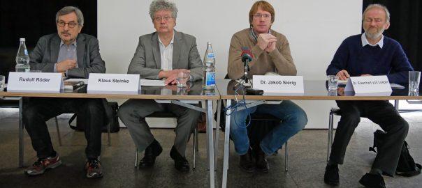 Mitglieder des Aktionsbündnisses gegen Stuttgart 21. Foto Uwe Roth