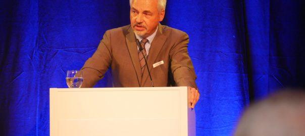 Baden-Württembergs Hauptgeschäftsführer Peer-Michael Dick forderte die Unternehmer auf, gegenüber drohenden Handelsrestriktionen seitens der US-Regierung klare Kante zu zeigen. Foto: Uwe Roth