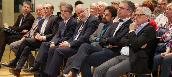 Politiker und Experten in einer Veranstaltung der Aktionsgemeinschaft Lärmreduzierung an der A 81 am 20.02.2017 in Asperg Landkreis Ludwigsburg). Foto: Uwe Roth