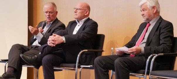 Stuttgarts Oberbürgermeister Fritz Kuhn, Verkehrsminister Winfried Hermann und Regierungspräsident Wolfgang Reimer