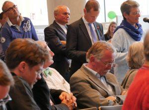 Bürger kommentieren im Rathaus den Entwurf des Luftreinhalteplans für Stuttgart. Foto: Uwe Roth