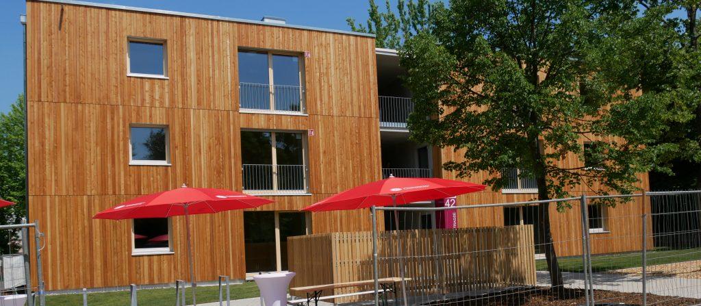 Cube 11, Flüchtlingsunterkunft mit eingebauter Nachnutzung. Bauträger Wohnungsbau Ludwigsburg. Foto: Uwe Roth