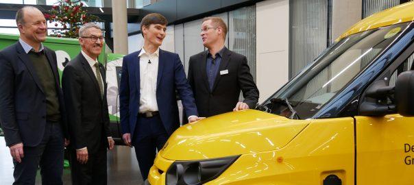 Präsentation bei Mann + Hummel in Ludwigsburg: DHL-Elektrolaster mit Feinstaubpartikelfilter. Foto: Uwe Roth