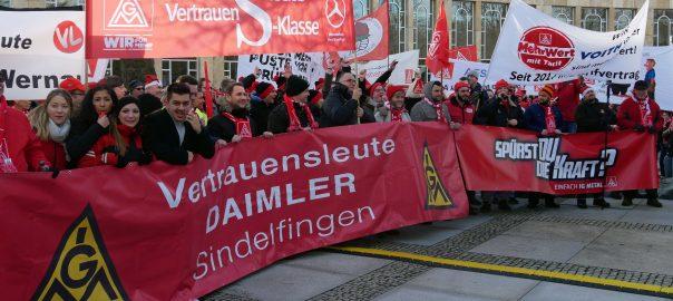 IG-Metall-Kundgebung in Ludwigsburg. Anlass ist die zweite Verhandlungsrunde mit Südwestmetall. Foto: Uwe Roth